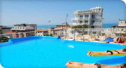 Hotel Bracciotti with 2 Swimming Pools in Lido di Camaiore
