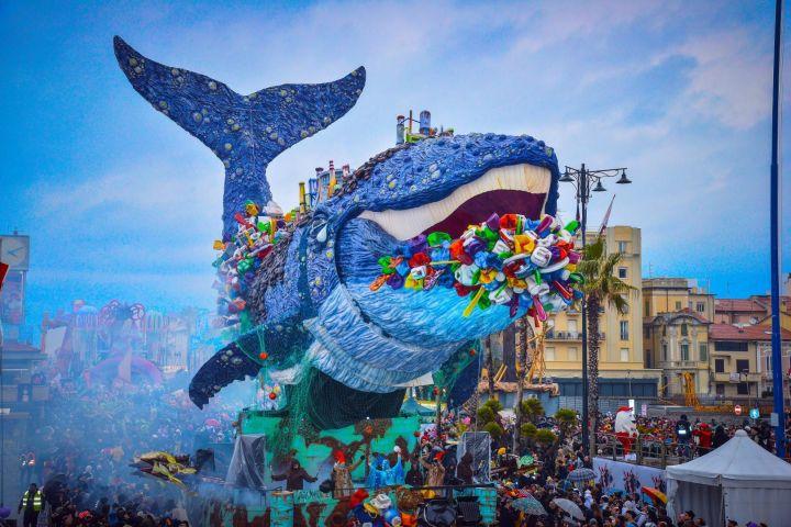 Leggi anche questo articolo: Carnevale di Viareggio - Il carnevale d'Italia e d'Europa