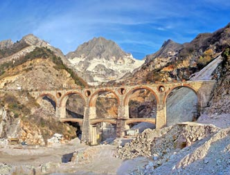 Photo: Cave Marmo di Carrara